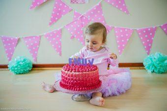 Emily – Smash the Cake